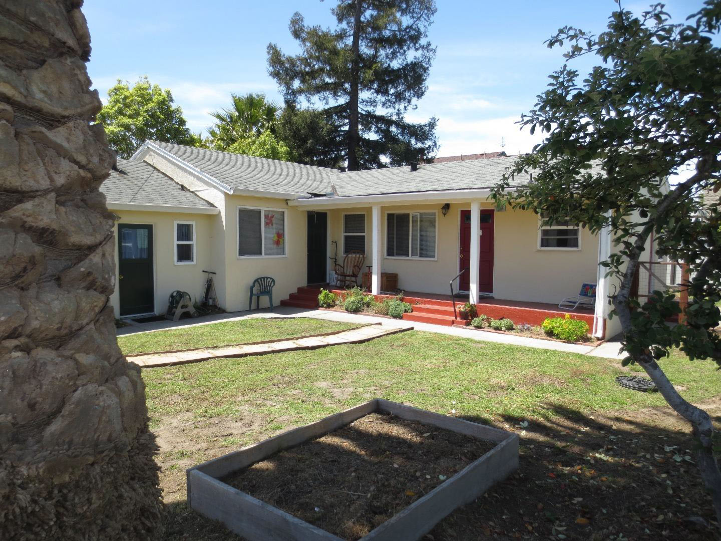 **SOLD 139/141 Dufour St., Santa Cruz • $715,400  3 Bedroom, 3 Bathroom • 1,415 Sq. Ft.