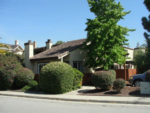 **SOLD 65 Grandview St., Santa Cruz • $479,000  2 Bedroom, 2 Bathroom • 1,290 Sq. Ft.