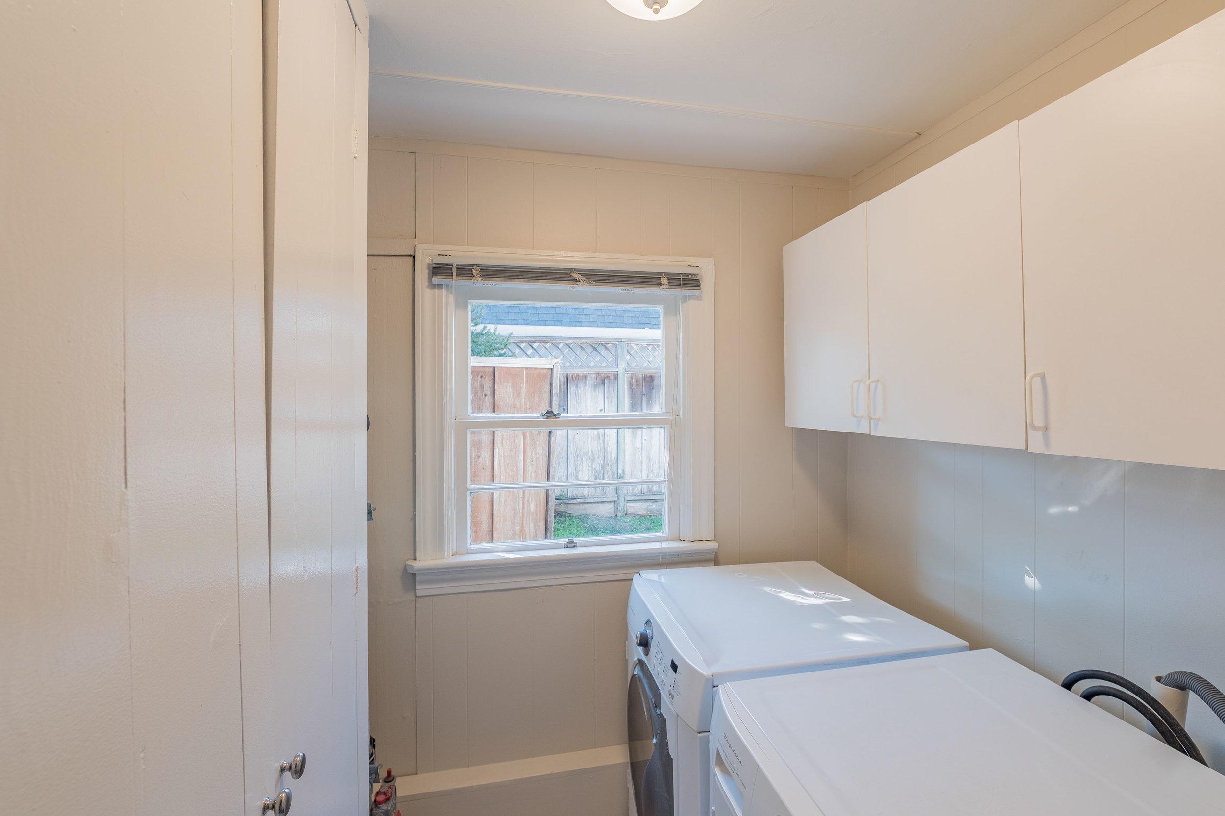 Laundry Room Santa Cruz Real Estate Agent