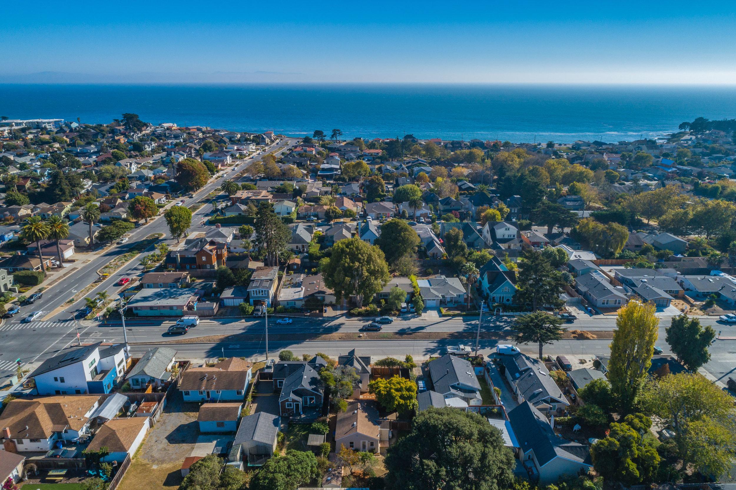 Home Close to Ocean in Santa Cruz