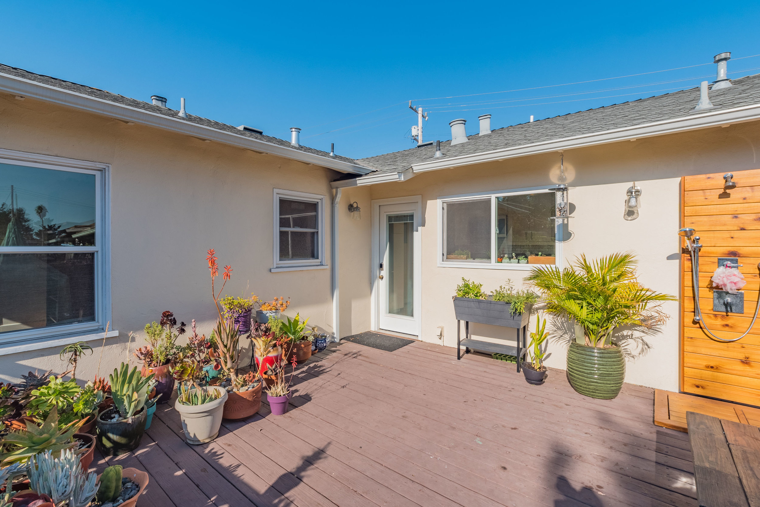 Sunny Deck Realtors in Santa Cruz