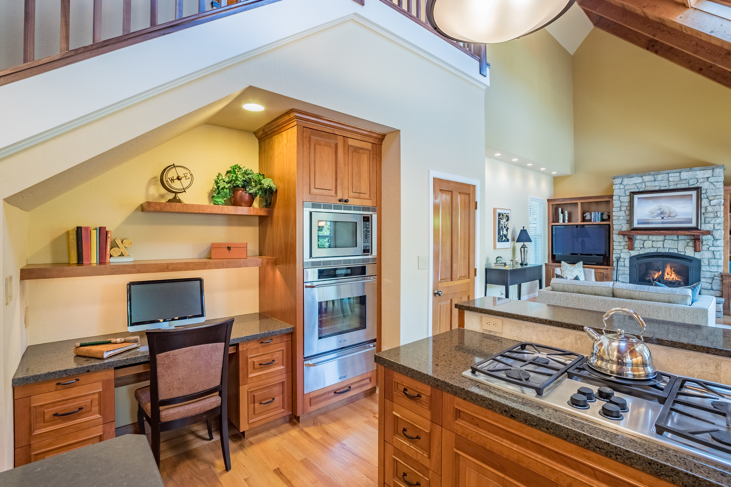 Gorgeous Open Concept Kitchen