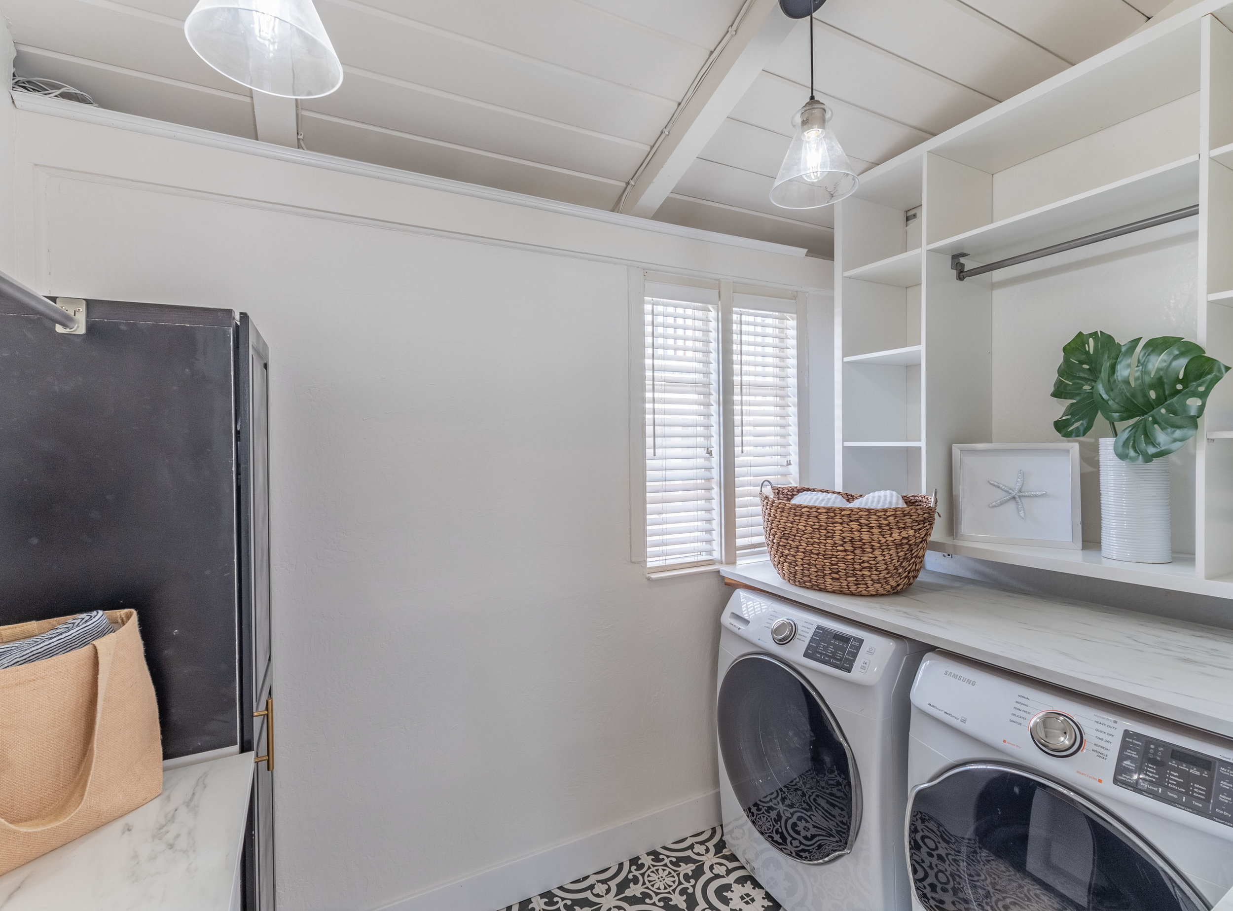 Laundry Room Capitola Bungalow
