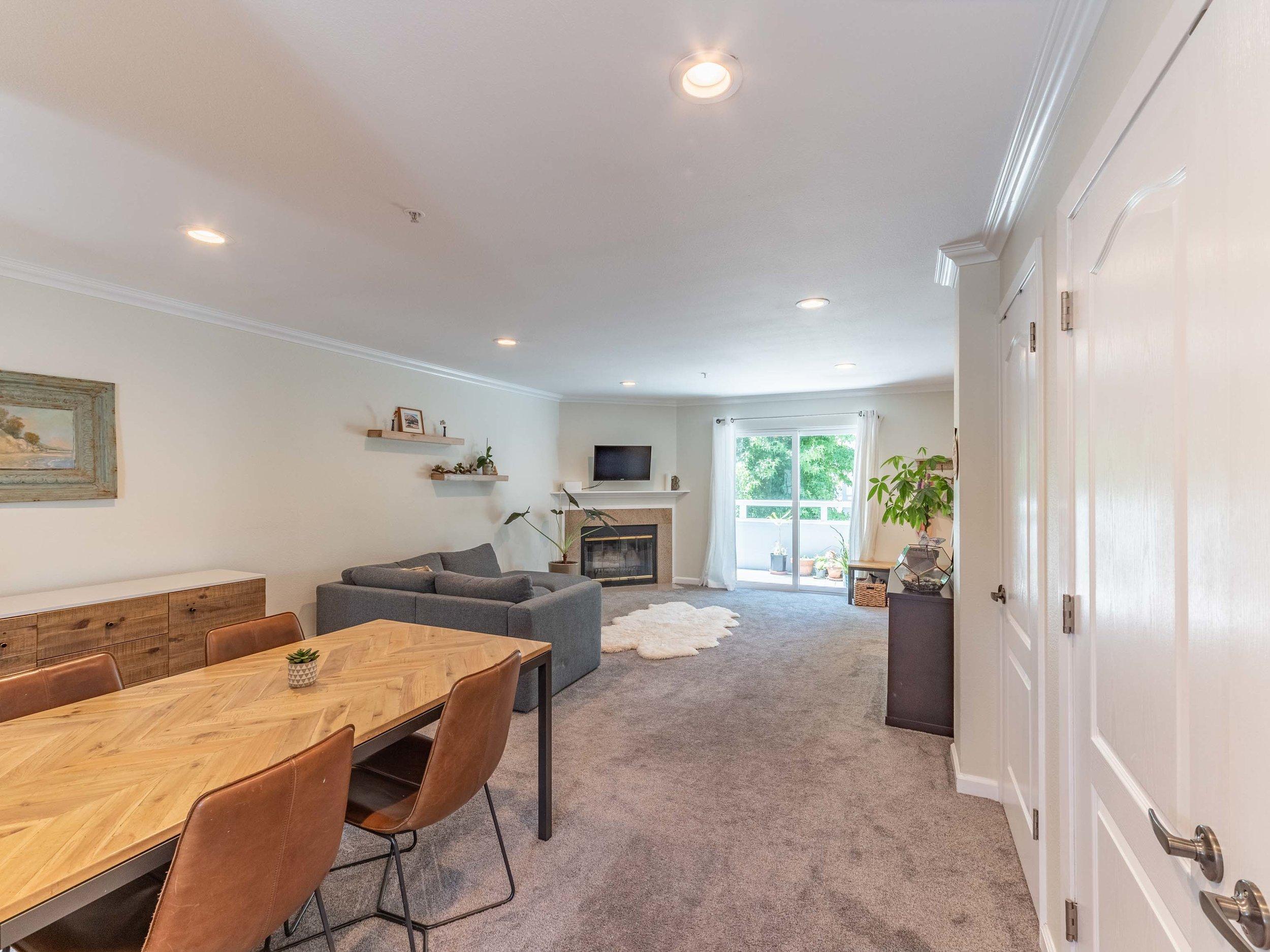 Spacious living space Santa Cruz
