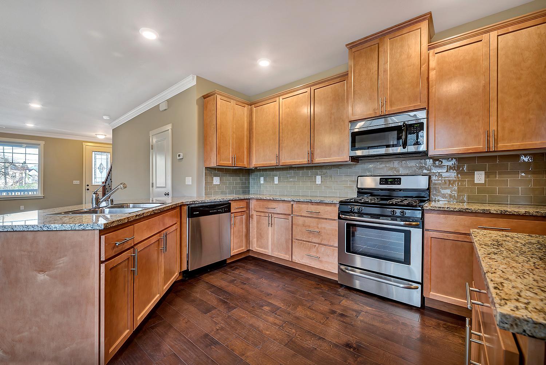 rjgroup-peabody-2405-kitchen-2.jpg