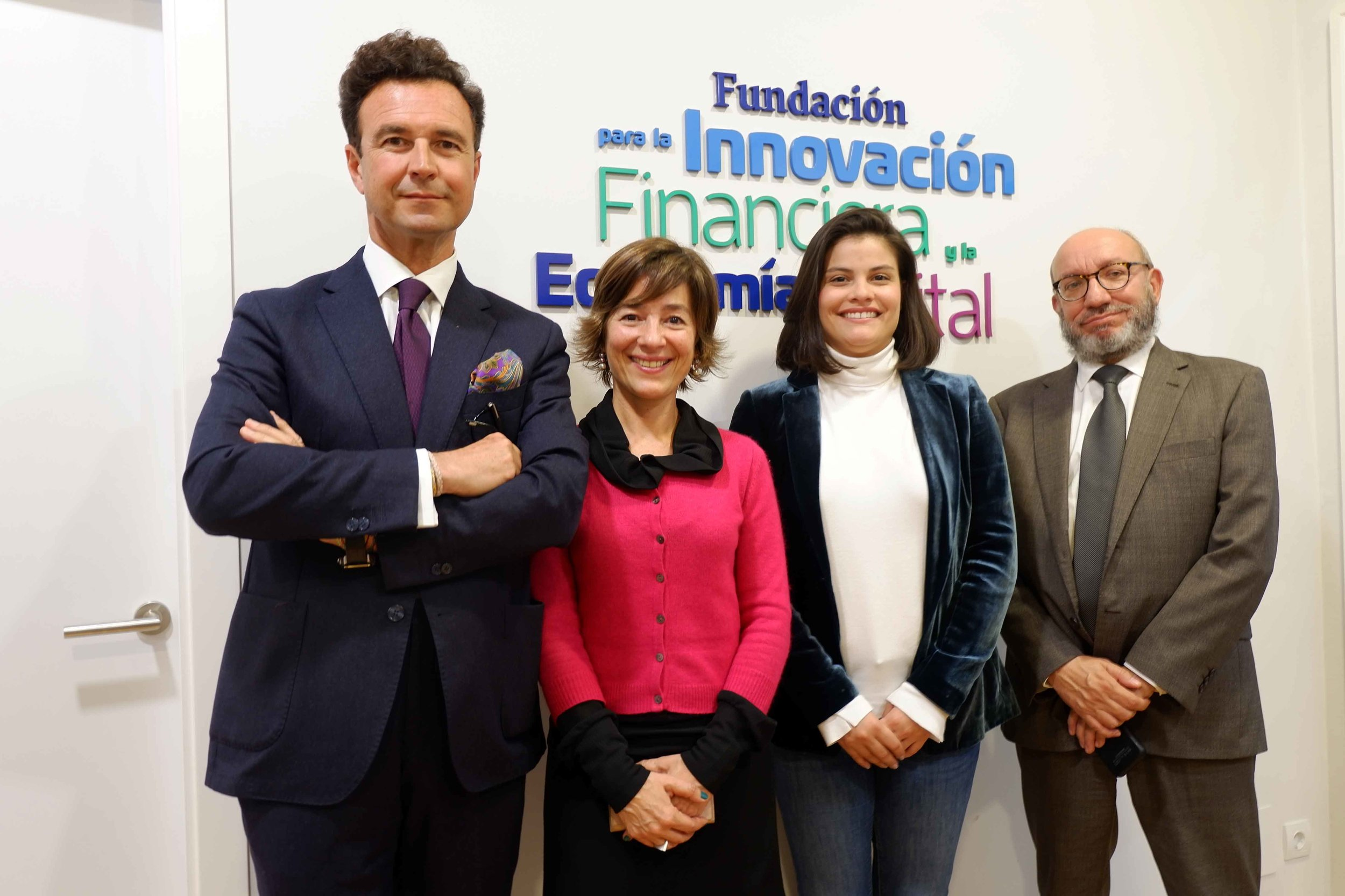 El presidente de FIFED, Vicente J. García Gil, junto a Andréia Castellan (GH Crecemos), María Laura Mosqueda (TechHeroX) y Félix Benavides (GH Crecemos).