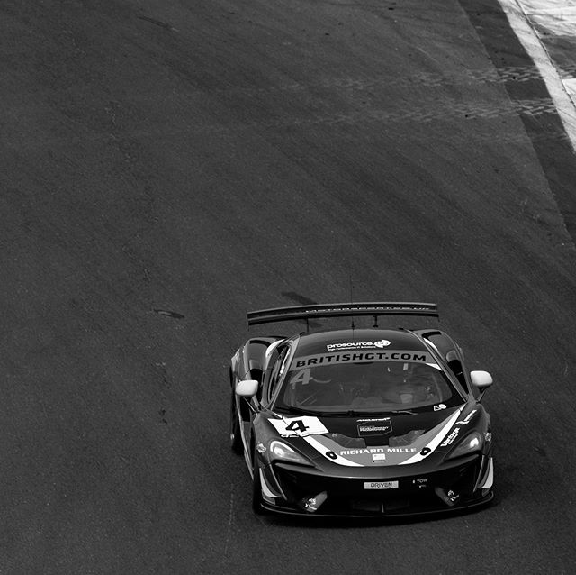 Nearly time to go pot hunting one last time. Let's make it count @jamesdorlin 💪🏼👊🏼 #mclaren #570s #gt4  #racing #pothunting