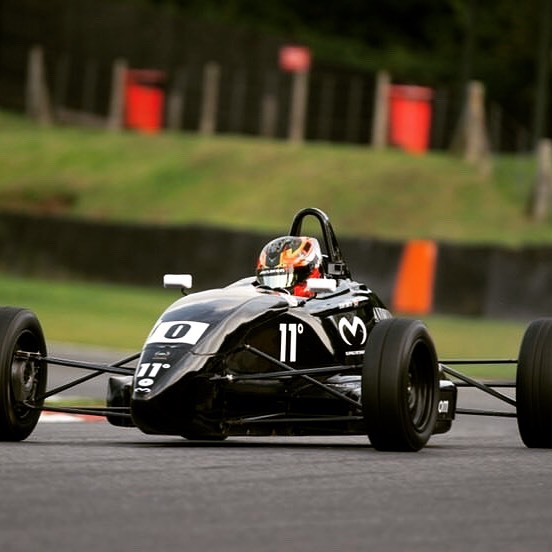Announcement!..... I am pleased to say that I will be returning to compete in the formula ford festival to defend my title with @oldfield_motorsport and top boy @josephh_white  on the spanners. Absolutely buzzing to hit the track in the black car 0 👀👊🏼 #formulaford #grassroots #dreamteam #glovesareoff #fullsend