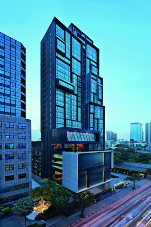 The winner will live in Bangkok for one year, at the 5-star Movenpick Ekkamai Residences