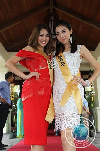 Japan and Macau posing