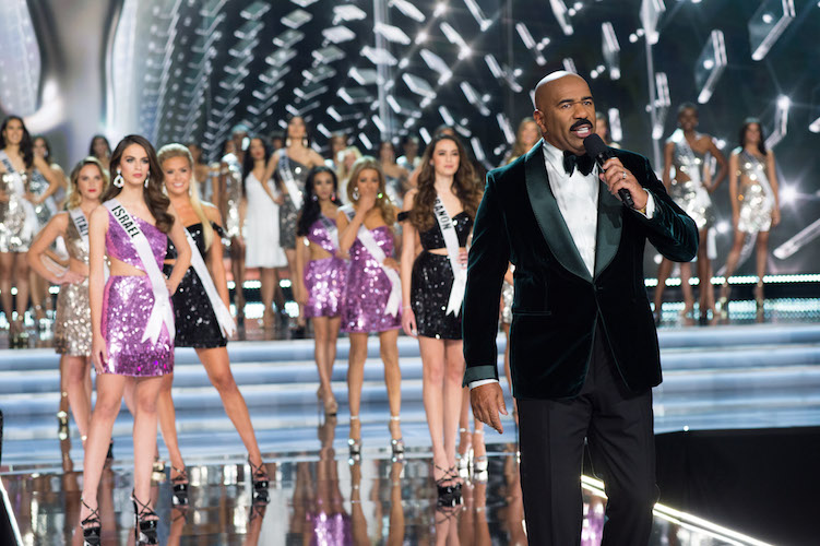 SAY WHAAAT?: Anyone else tired of Steve Harvey's repetitive jokes about his 2015 error? We find it so... well, 2015.