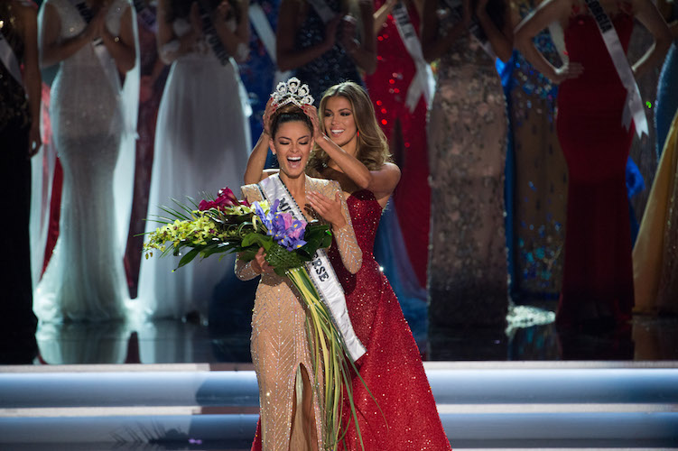 LOOK OF JOY: Demi-Leigh Nel-Peters is crowned Miss Universe 2017