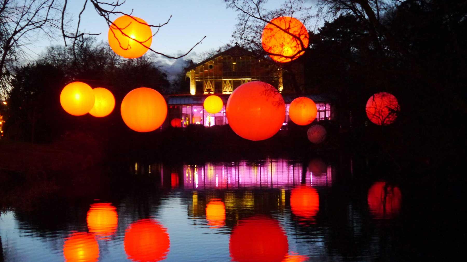 ballons-helium-suspendu-led-couleur-dmx-pavillon-d-armenonville.jpg
