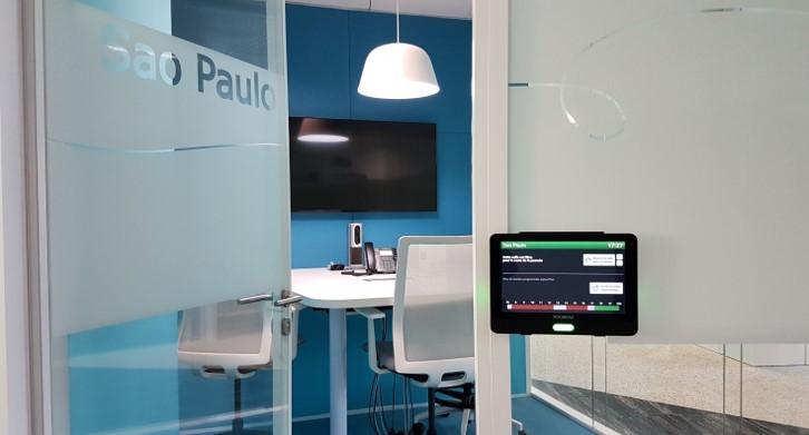 Siège de Microsoft (Issy-les-Moulineaux) > 80 salles de réunions, 2 auditoriums, 1 studio TV et 1 centre de conférences – 3 millions €