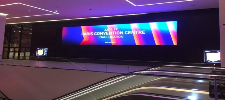 Viparis (Parc des Expositions Porte de Versailles Pavillon 7) > Mur LED de 36m² - 800 000 €