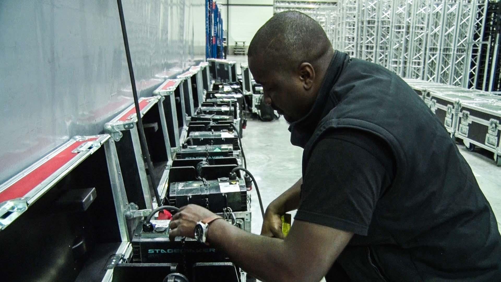 technicien-atelier-moteur.jpg
