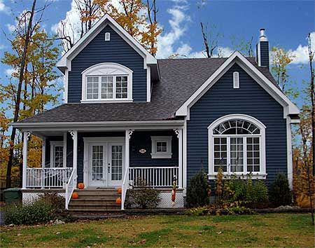 73de32f9e5a0db66ec7805bb7cb3f807--navy-blue-houses-blue-and-white-houses-exterior.jpg