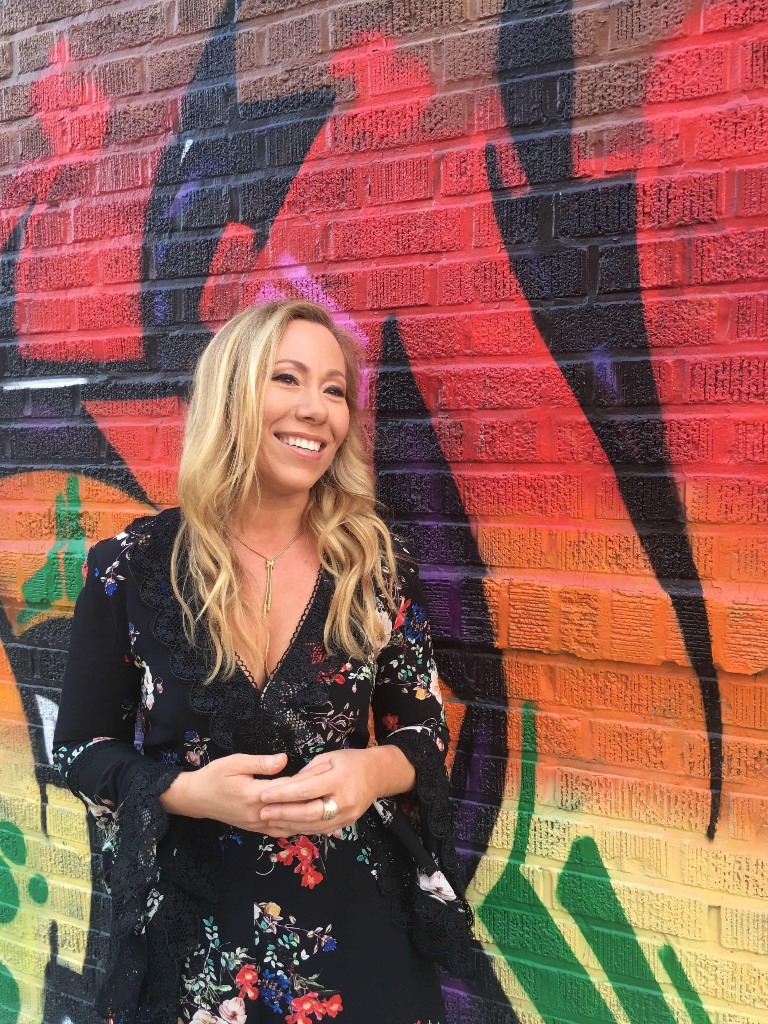 Hi, I'm Kristin. - I'm a best-selling author, health & wellness advocate, and