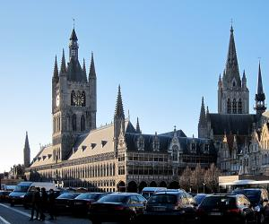ypres-grand-place_10_300_250.jpg