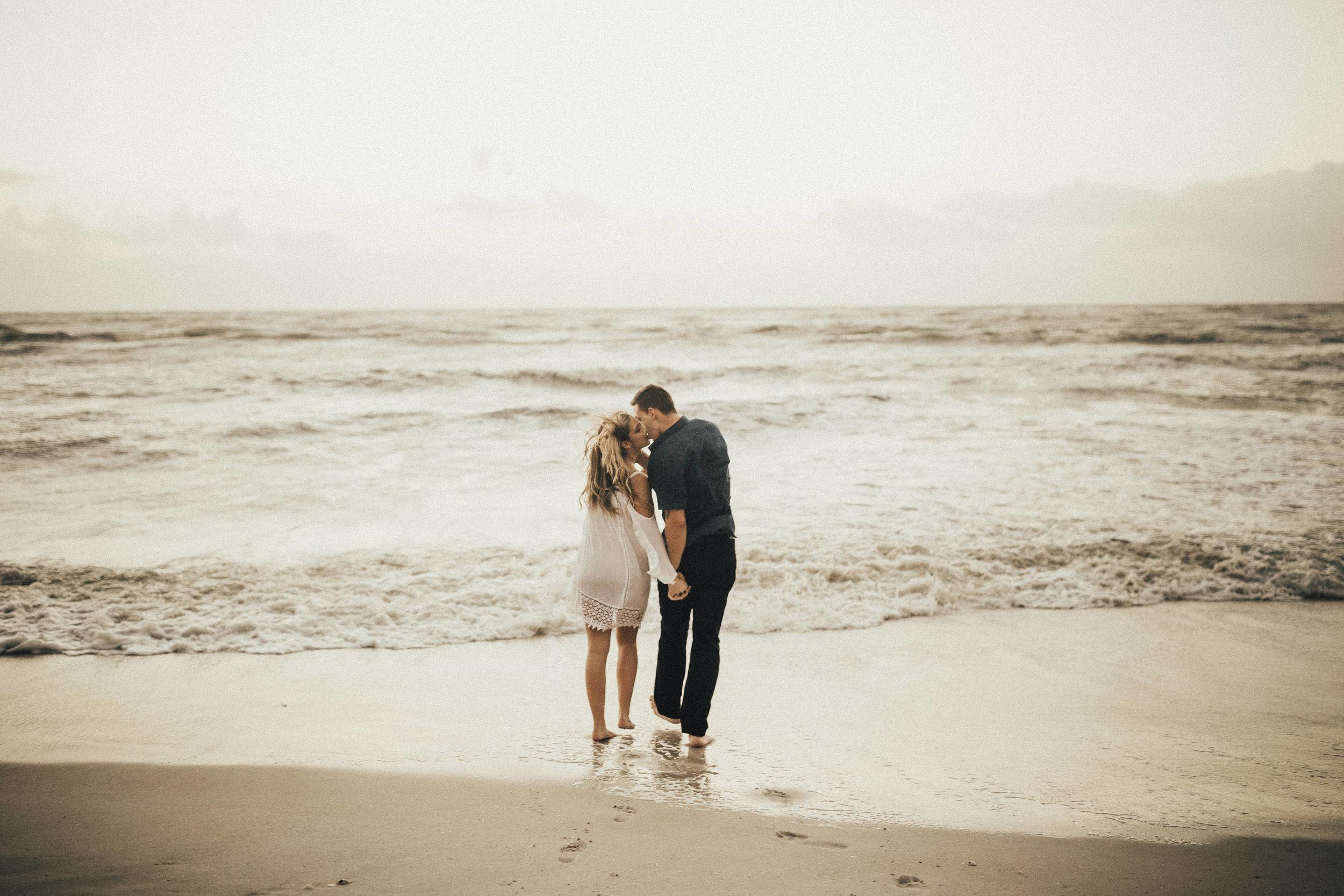honolulu-hawaii-wedding-photographer--73.jpg