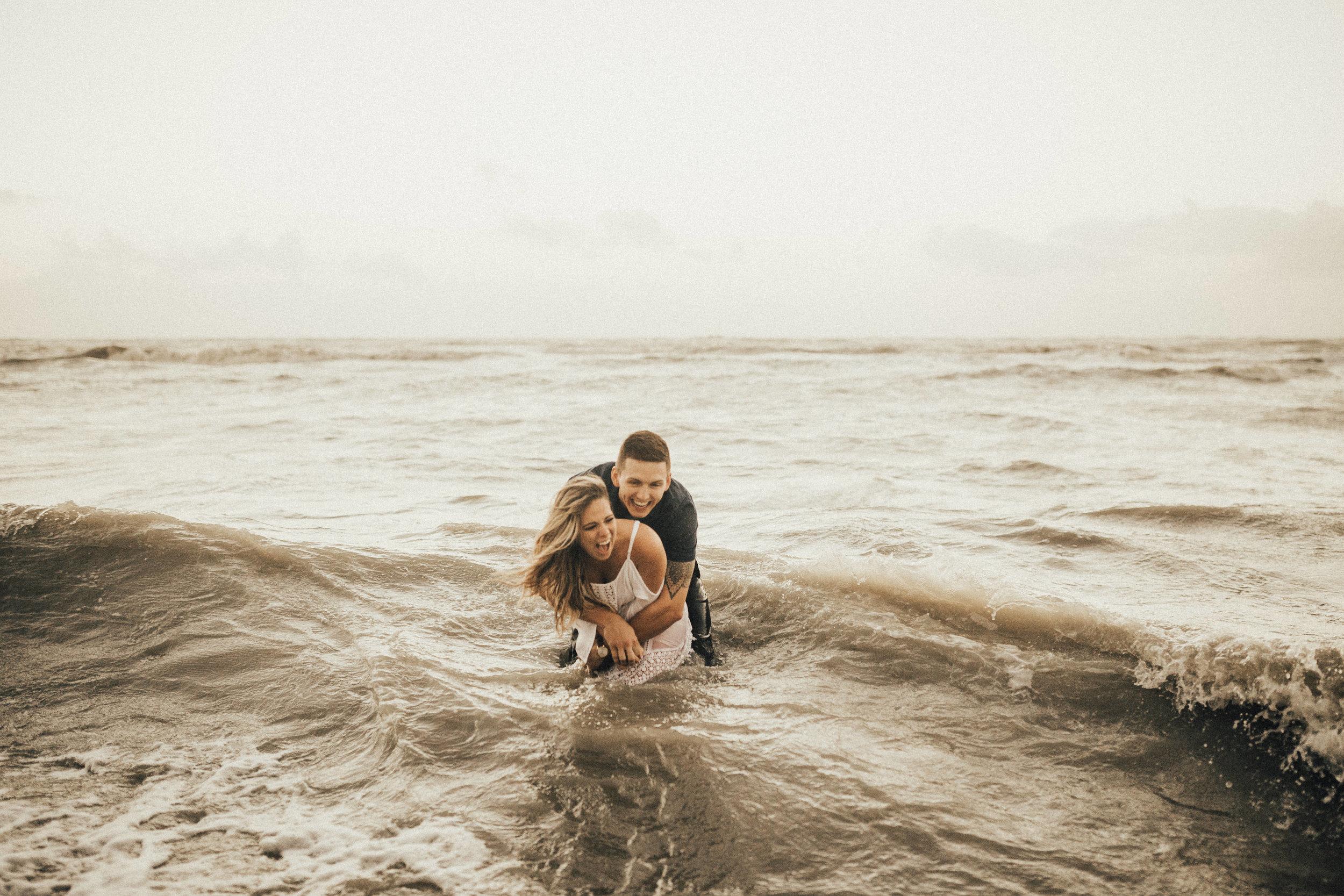 honolulu-hawaii-wedding-photographer--76.jpg