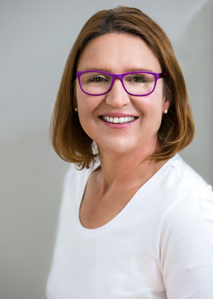 Dr. med. dent. Linda Rossel-Neumeier - angestellte Zahnärztin