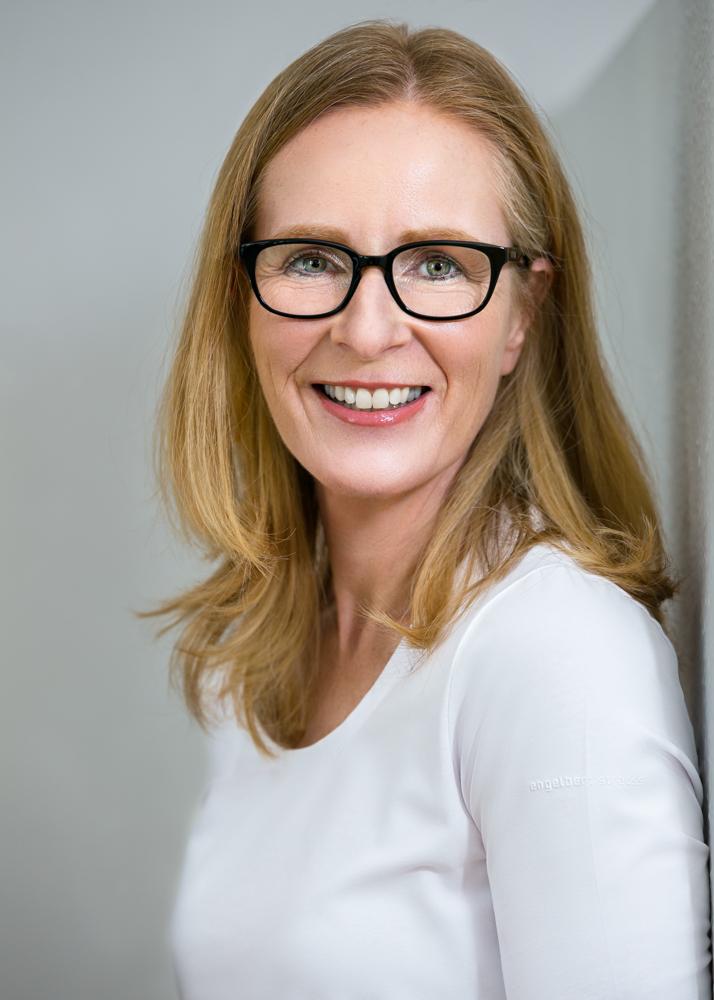 Dr. med. dent. Kathrin Claussen - Praxisinhaberin