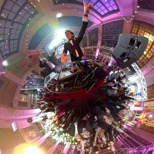 I feel so lucky & grateful i got to spend NYE in the Grand Arcade!! Thank you to everyone who came & everyone involved!! 🙏🎉 #asburypark #fromasburywithlove #apnye  #360camera