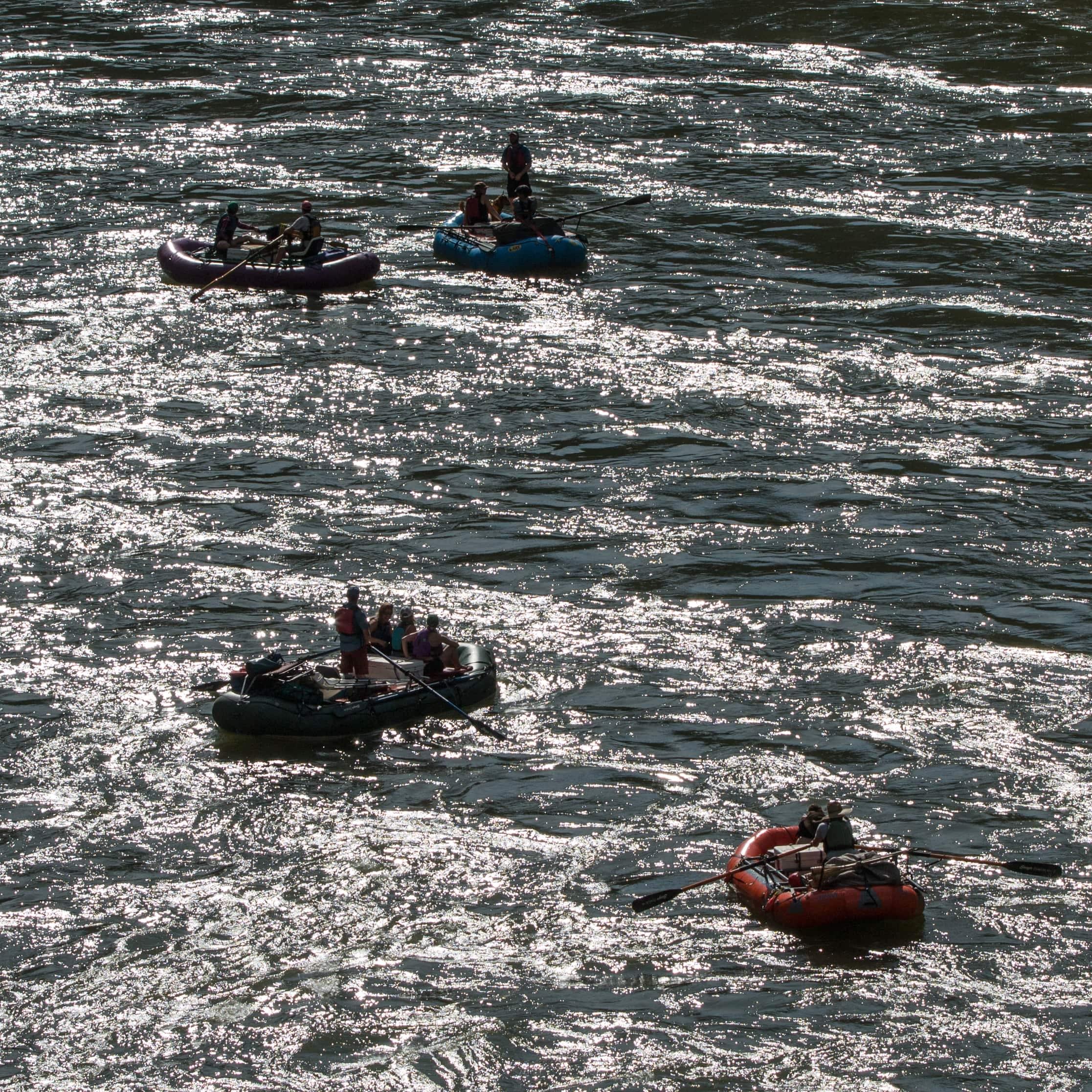 rafting-the-rogue-min.jpg