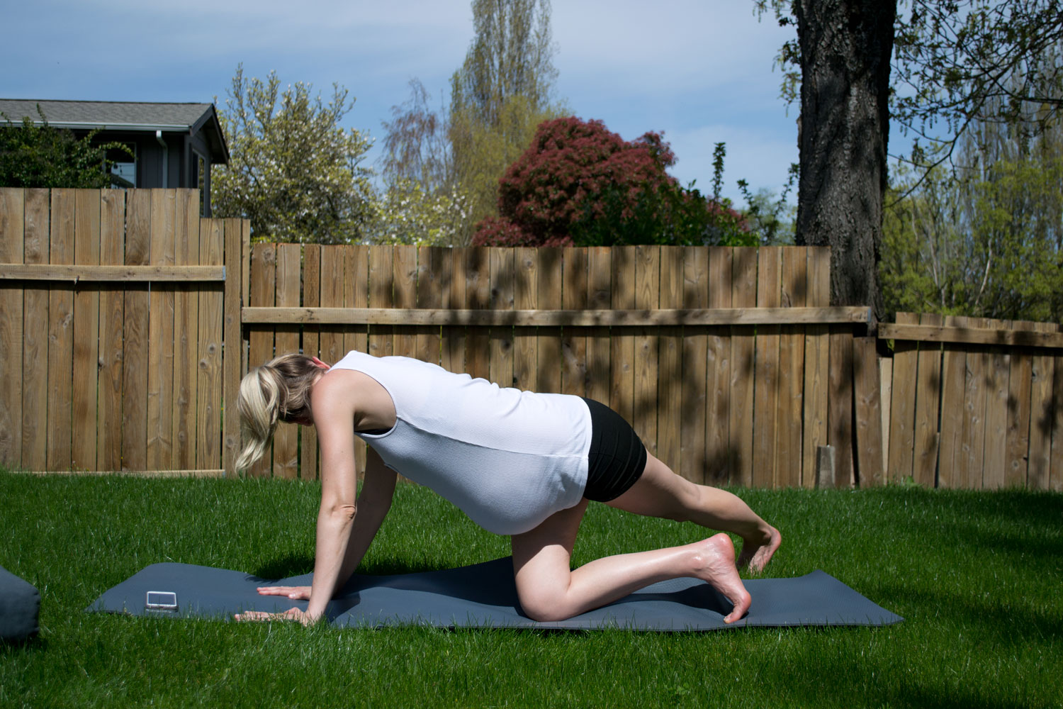 Yoga for Pregnant Athletes Jasyoga