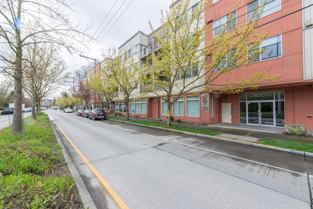 $350,000 - 3213 Harbor Ave SW unit 109, Seattle, WA