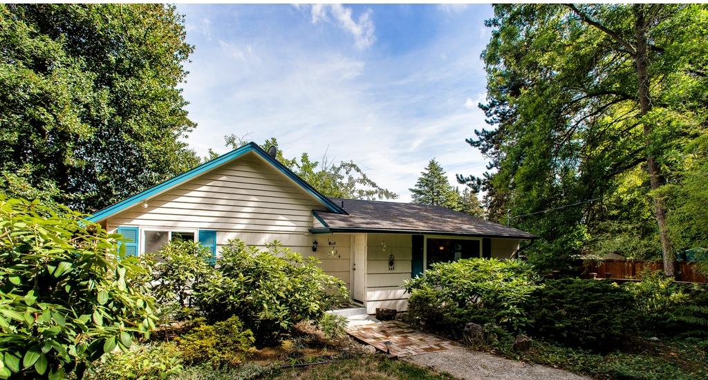 $352,500 - 11724 19th Ave NE Seattle, WA 98125