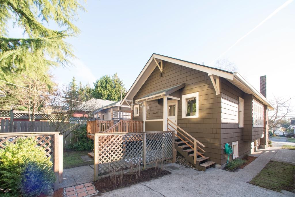 $515,000 - 1206 N Allen Place Seattle, WA 98103