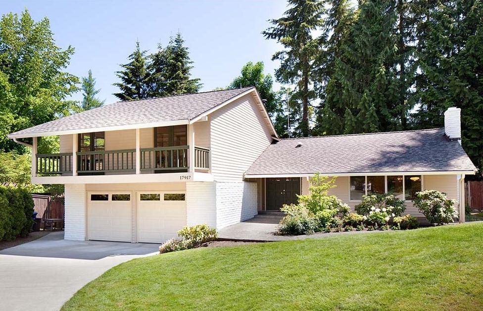 $620,000 - 17917 NE 27th St Redmond, WA 98052