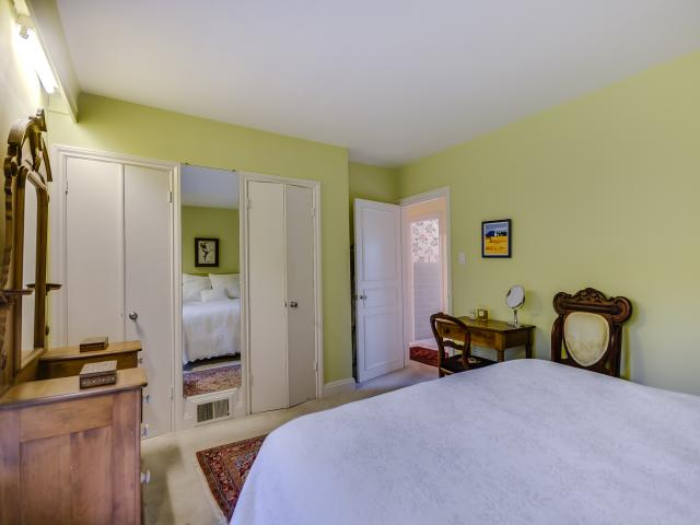 23_masterbedroom2.jpg