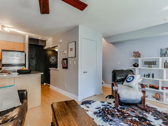 10_livingroom5.jpg