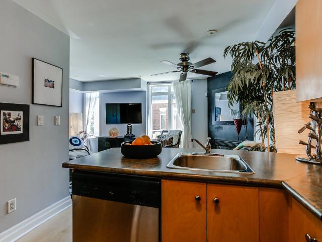 14_kitchen3.jpg