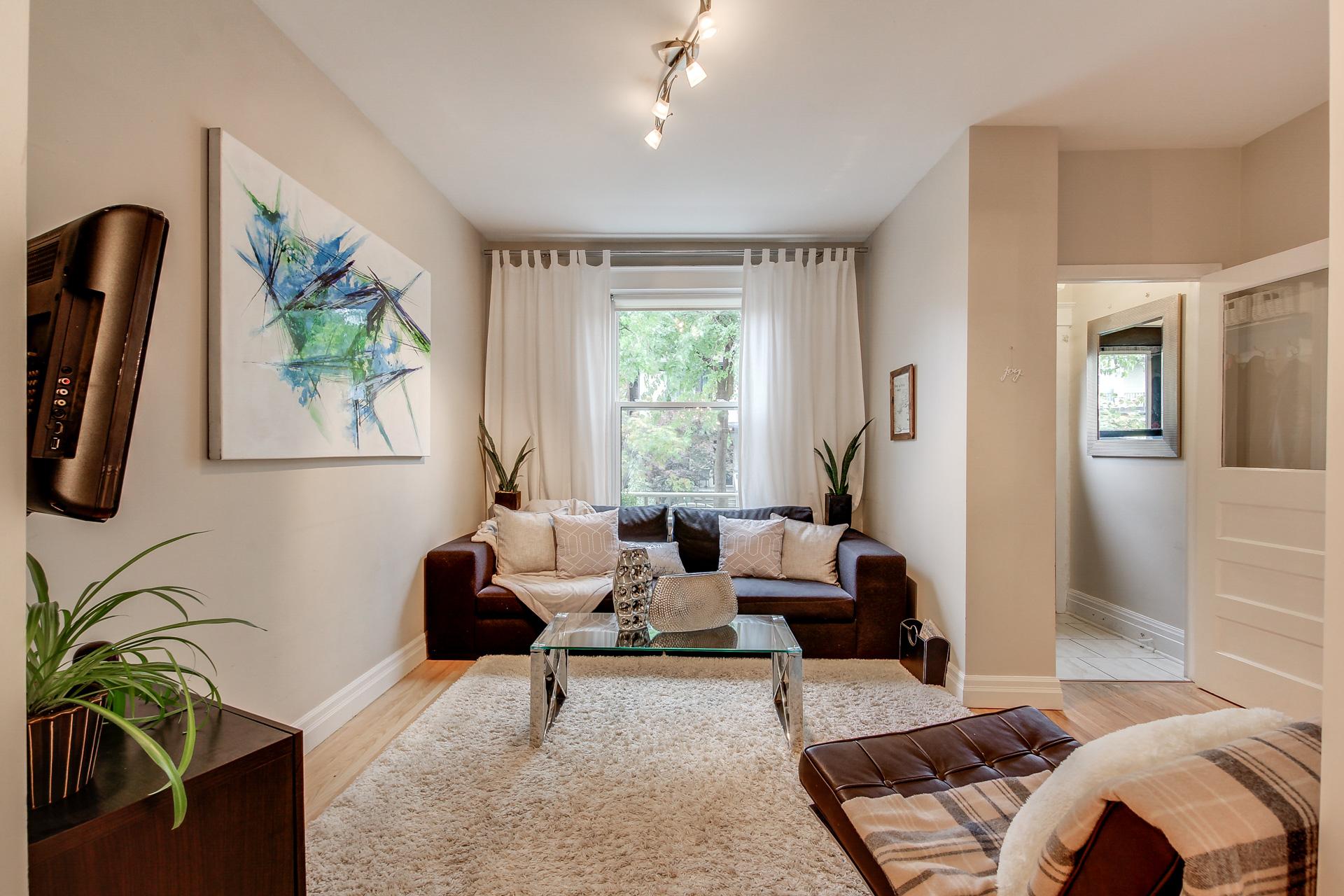 12_livingroom3.jpg