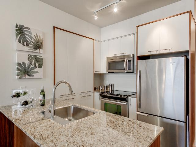 18_kitchen3.jpg