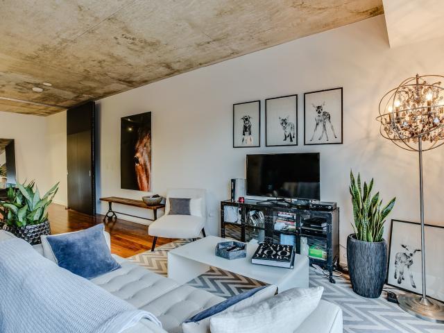 13_livingroom8.jpg
