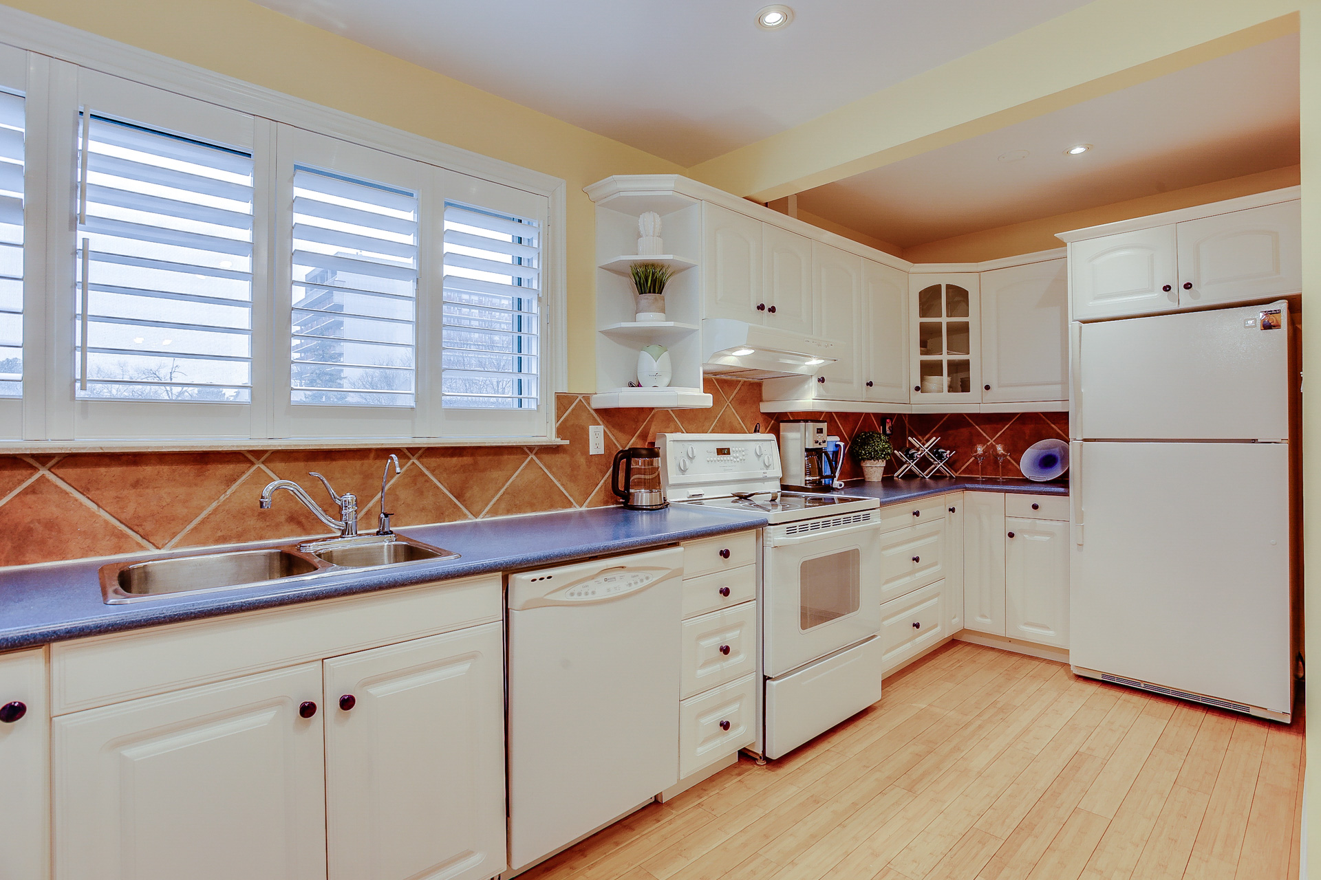 19_kitchen2.jpg