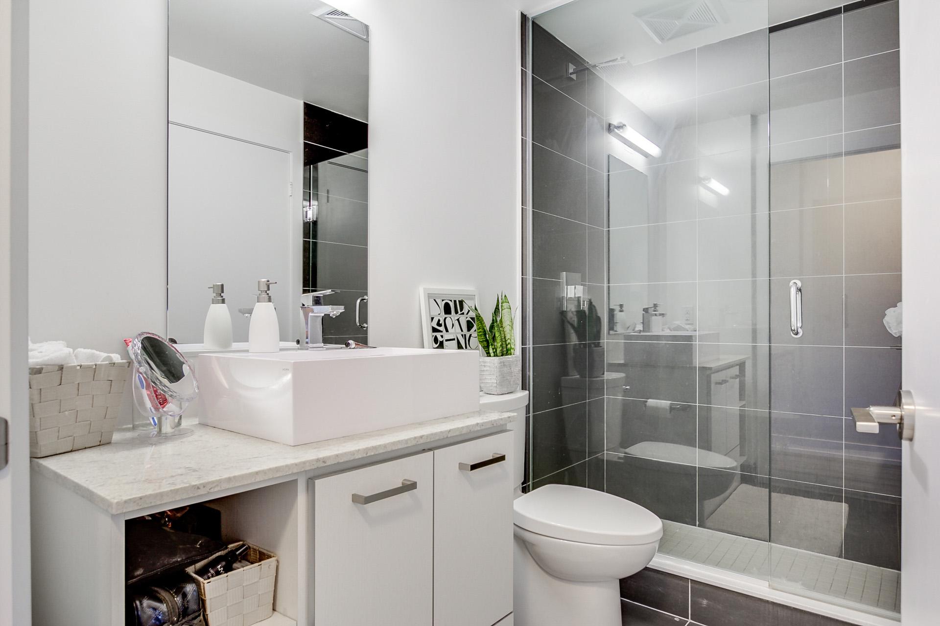 18_bathroom1.jpg