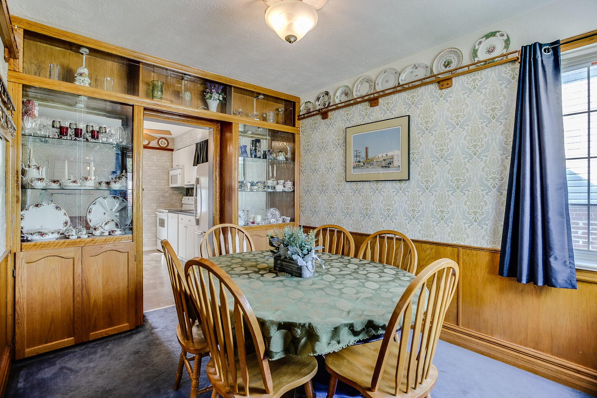 11_dining_room2.jpg