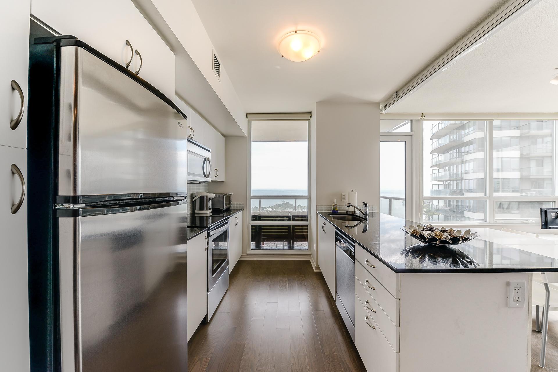 18_kitchen2.jpg
