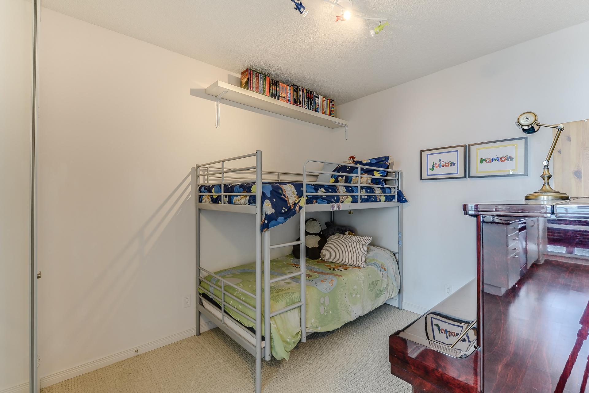 29_second_bedroom2.jpg