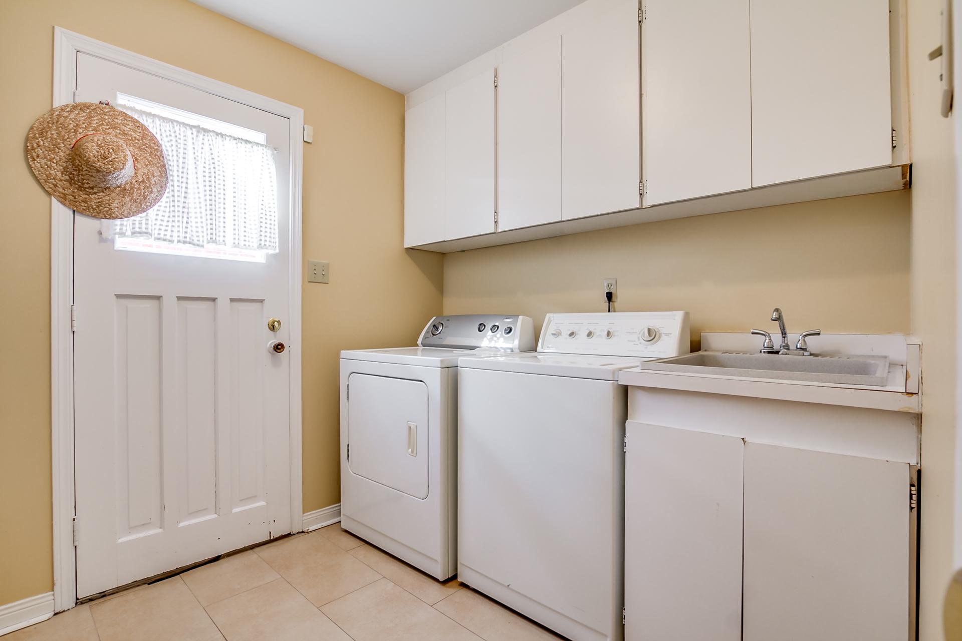 53_laundry_room1.jpg