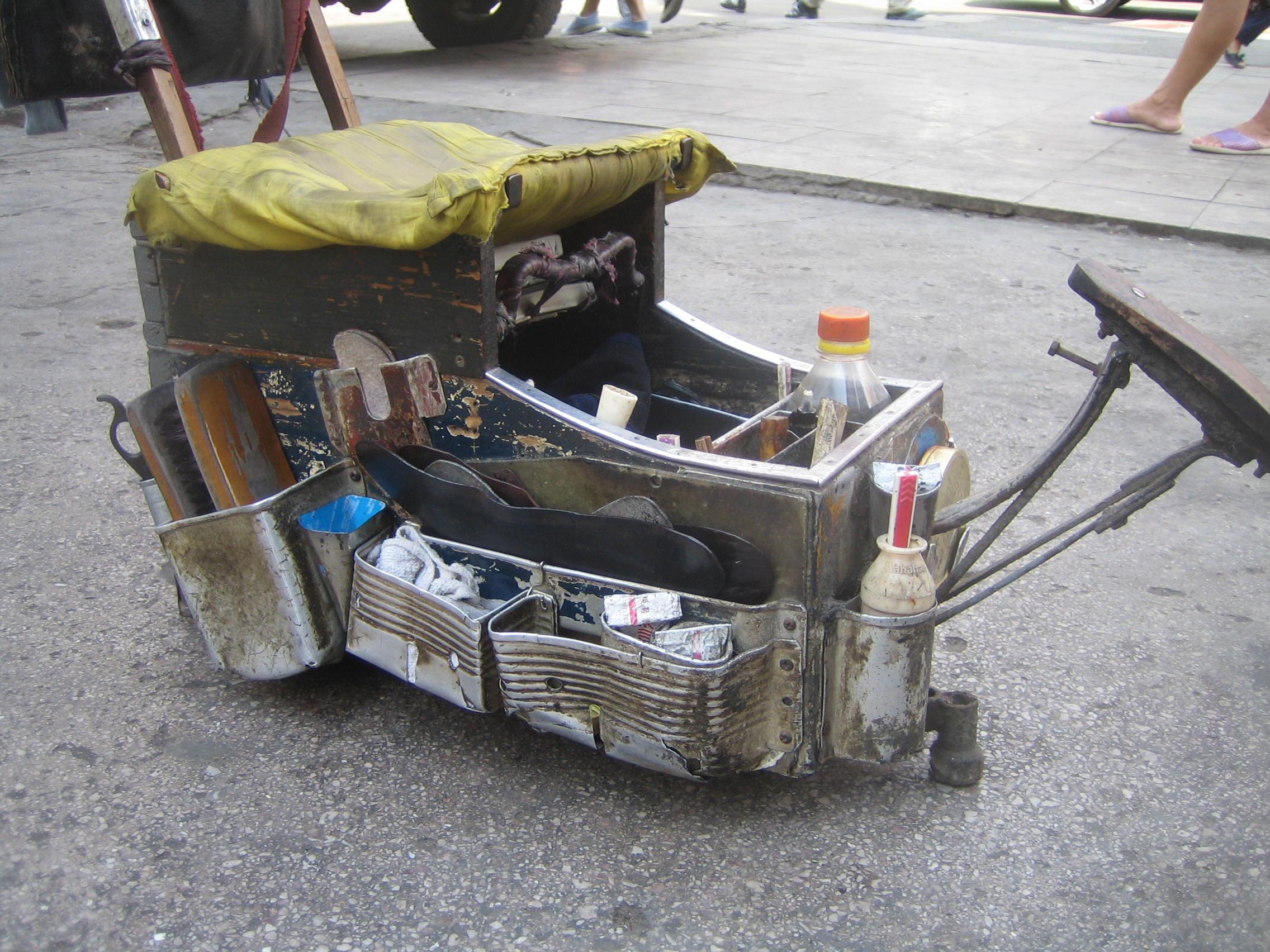 Shoeshine_Kaili2010d.JPG