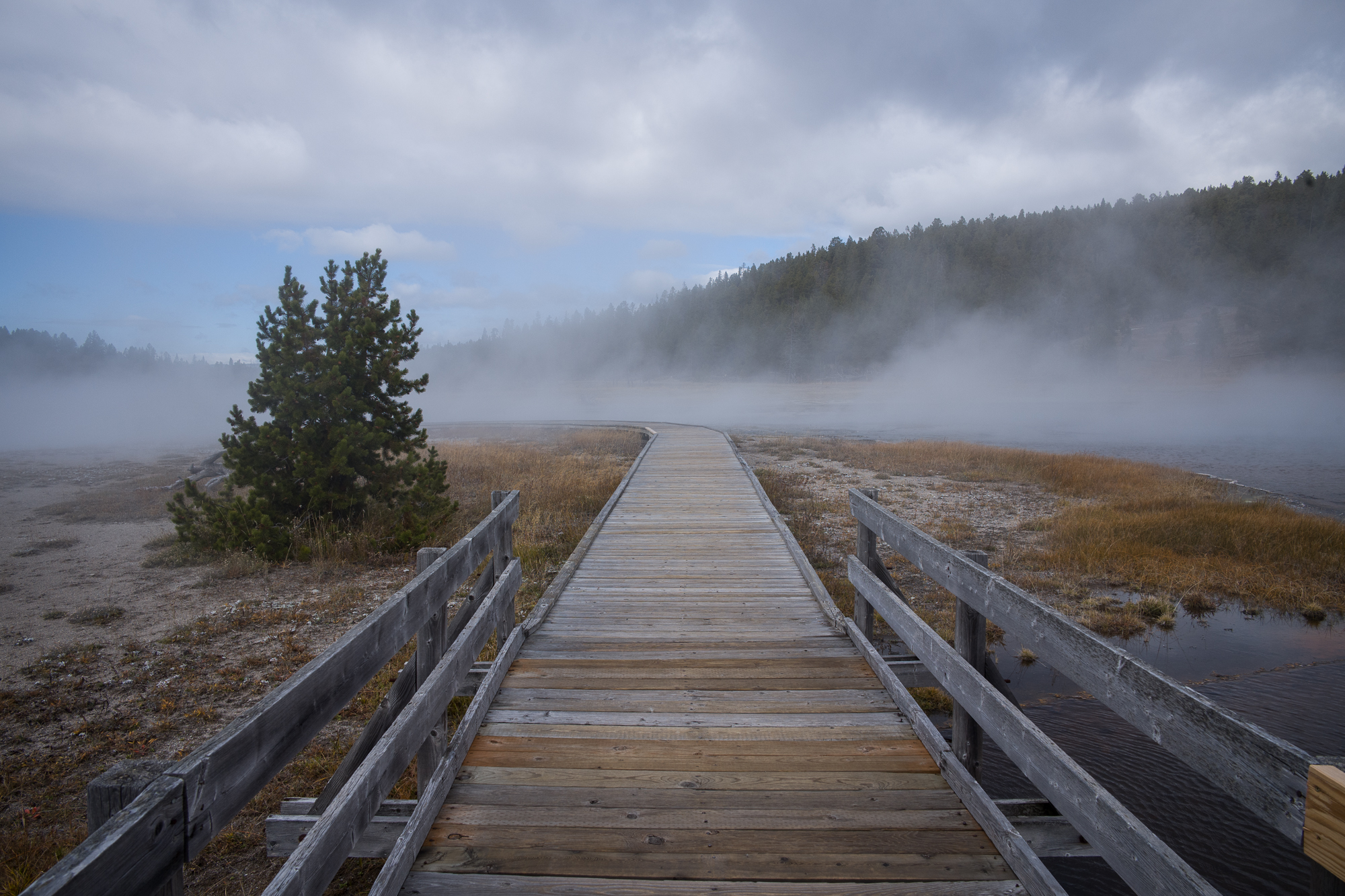 Walkway to a thermal zone