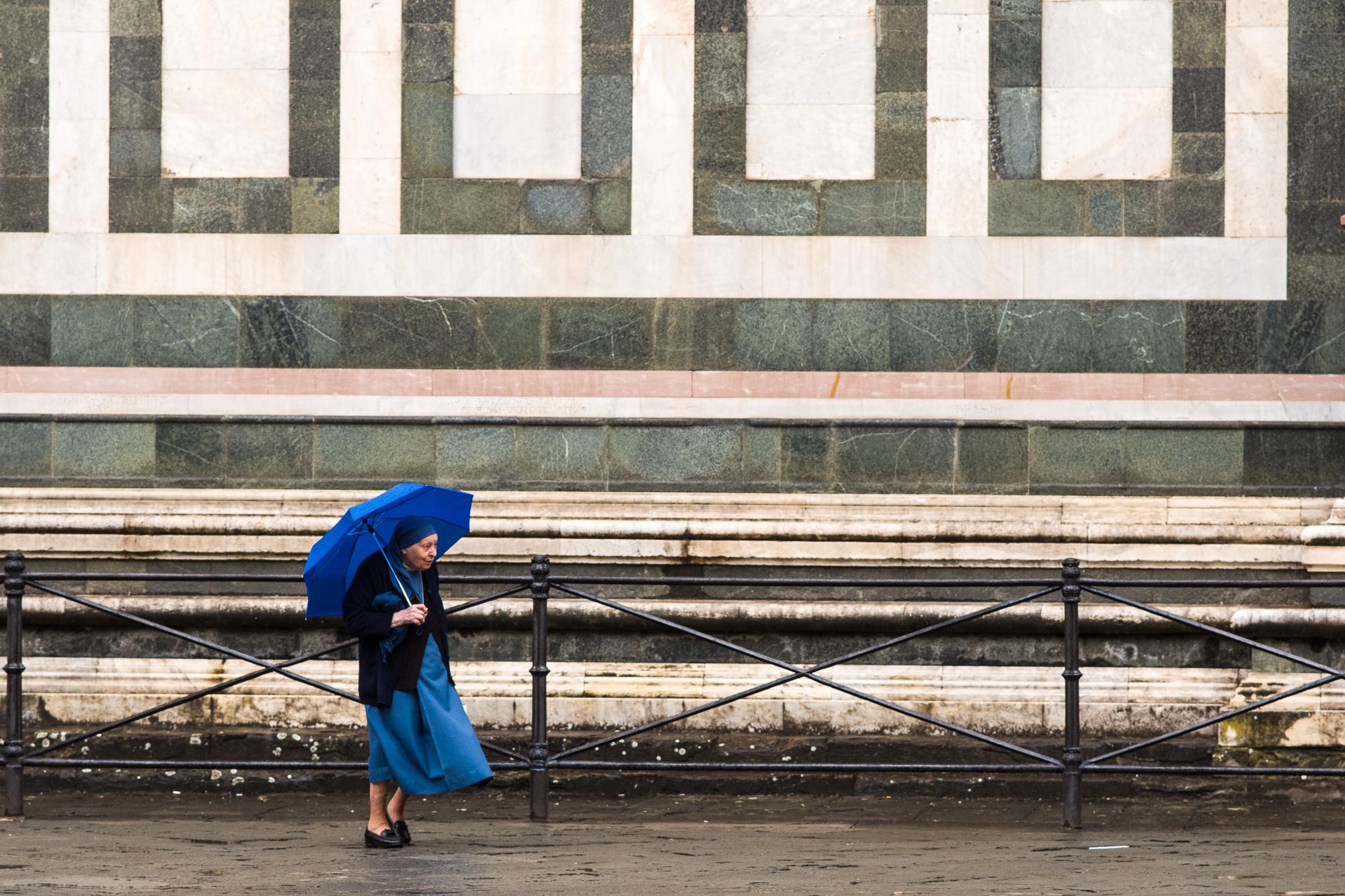Nun outside the Duomo
