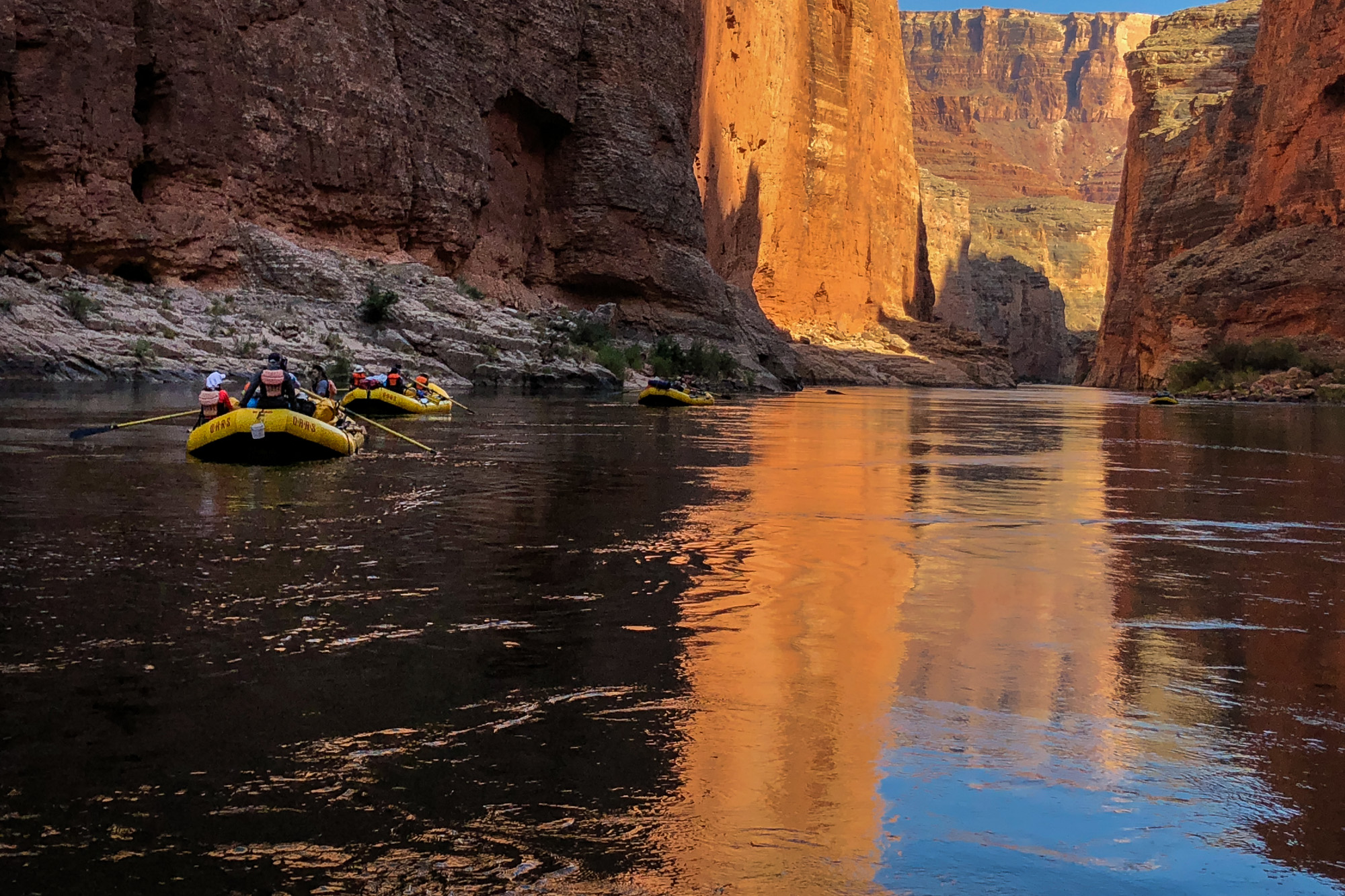 Rafts floating the Grand Canyon